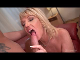 LustyGrandmas MILF Amy - Room Service With Extras ()