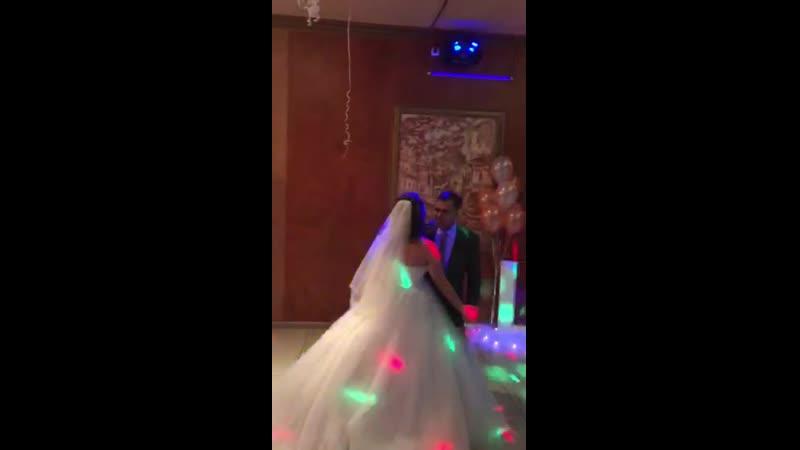 Танец отца и дочери Как быстро время пролетело