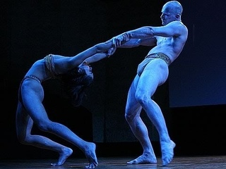 A performance merging dance and biology   Pilobolus